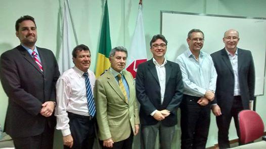 (da esquerda para a direita): Dr. Renato Dolabella, Prof. Marco Leão, Prof. José Galeno, Prof. Leonardo Coelho, Prof. Erwin Mádisson e Prof. João Argenta